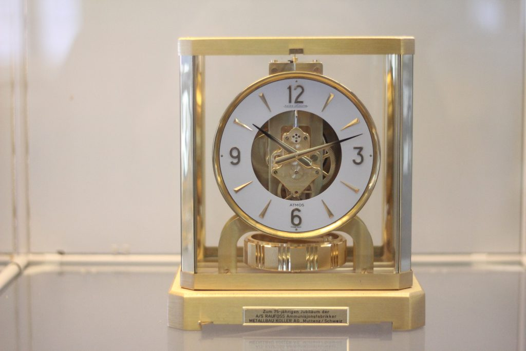 Klokke – Perpetuum mobile er latin, og betyr evig bevegelse
